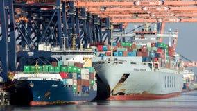 集装箱码头运输 免版税库存照片