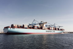 集装箱船伊迪丝Maersk在格但斯克波兰 库存照片