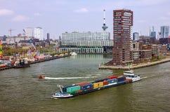 集装箱船在鹿特丹,荷兰港区  免版税库存图片