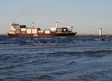 集装箱船在Swinoujscie 免版税库存照片
