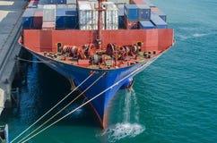 集装箱船的前甲板 免版税库存图片