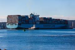 集装箱船被装载的最大 图库摄影