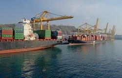 集装箱船,巴塞罗那,汤姆Wurl 库存照片
