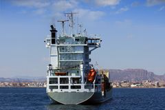 集装箱船: 在船尾的视图 库存照片