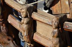 雕刻一艘有历史的风帆船 免版税图库摄影