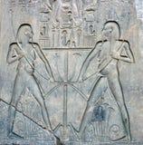 雕刻卢克索石寺庙 免版税库存照片