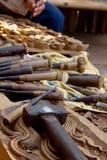 雕刻师工具木头 图库摄影
