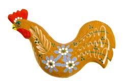 雕刻的手工制造木复活节雄鸡装饰。 库存图片