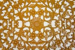 雕刻金银细丝工的木头 免版税图库摄影