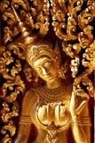 雕刻门的天使木 免版税库存照片