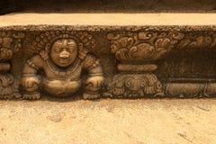 雕刻阿努拉德普勒,斯里兰卡的Bahirawa石头 免版税库存照片