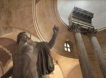 雕塑和天花板在凡尔赛宫 库存照片