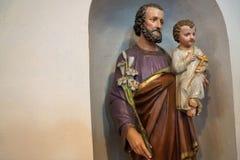 雕塑在一个教会里在恩金在德国 免版税库存图片