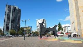 雕塑在公牛中启发了由巴勃罗・毕卡索,位于市的北部基多 免版税图库摄影