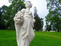 雕塑在圣彼德堡公园  库存照片