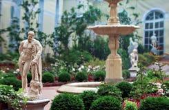 雕塑庭院在圣彼德堡 库存图片