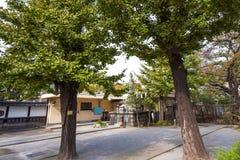 雕塑的看法在城市公园,东京,日本 复制文本的空间 库存照片