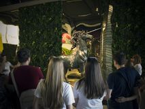 雕塑的陈列的人们萨尔瓦多・达利 免版税库存照片