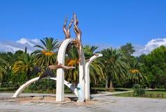雕塑采珠人 abkhazia pitsunda 免版税图库摄影