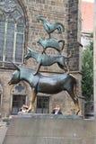 雕塑-对布里曼音乐家的一座纪念碑。 库存图片