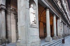 雕象乌菲齐画廊拱廊的安德里亚Orcagna  免版税库存照片