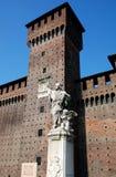 雕象和城堡 库存照片