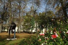 雕象在公园 免版税库存图片