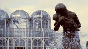 雕象在库里奇巴,巴西植物园里  免版税库存图片