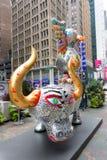 雕象在时代广场,百老汇,纽约 免版税库存照片