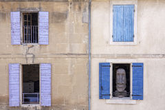 雕象在窗口里 免版税图库摄影