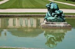 雕象在罗丹博物馆在巴黎 免版税库存照片