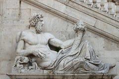 雕象在Campidoglio广场,罗马 免版税库存照片