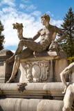 雕象在Peles城堡,罗马尼亚庭院里  库存图片