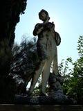 雕象在Sissi的宫殿庭院里 免版税库存图片
