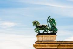 雕象埃罗斯广场 库存照片