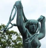 雕象妇女,维格兰雕塑公园,奥斯陆 免版税库存图片