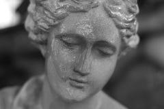 雕象妇女 免版税库存照片