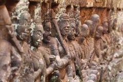 雕象小组吴哥寺庙,柬埔寨 库存照片