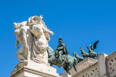 雕象的亲吻在阿尔塔雷della帕特里亚,威尼斯广场,罗马意大利前面的 图库摄影