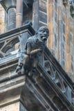 雕象的详细视图在布拉格城堡的在布拉格 免版税库存照片