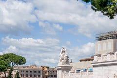 雕象看法在前面,阿尔塔雷della帕特里亚,威尼斯广场,罗马意大利的 库存图片