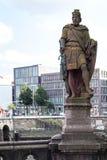 雕象计数阿道夫III在Trostbrucke在汉堡 免版税图库摄影