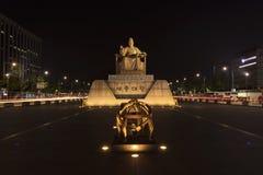 雕象韩国的国王sejong 在kwanghwamun正方形 免版税库存照片