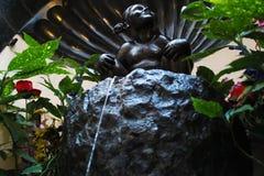 雕象Jeanneke pis在布鲁塞尔 库存照片