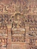 雕刻在吴哥窟墙壁上的砂岩细节  免版税库存照片