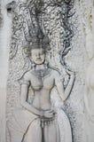雕刻在吴哥窟暹粒省柬埔寨的Apsara 图库摄影