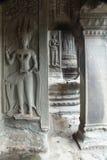 雕刻在Angor Wat寺庙的Apsara 图库摄影