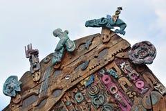 雕刻在Aotea广场奥克兰的现代毛利人木头 免版税库存图片