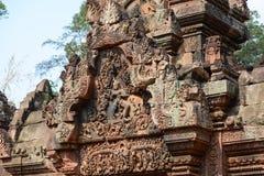 雕刻在Banteay Sreiz的mandapa,柬埔寨 库存图片