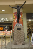 雕刻在J里面的室内设计和雕塑妇女纪念碑 库存照片